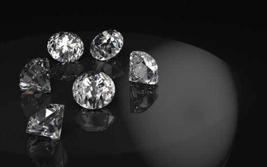 As semelhanças das zircônias com os diamantes